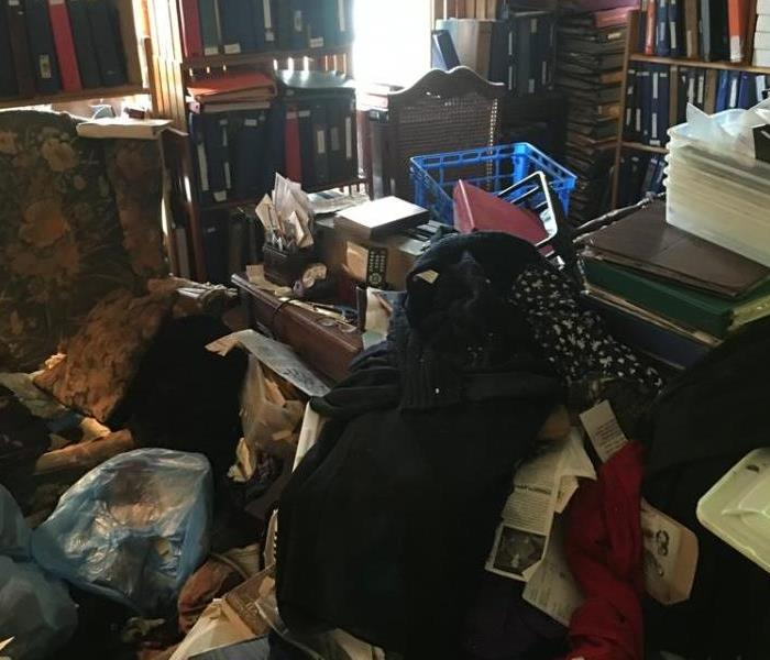 levels of hoarding do you know someone on this scale servpro of malibu topanga canyon. Black Bedroom Furniture Sets. Home Design Ideas